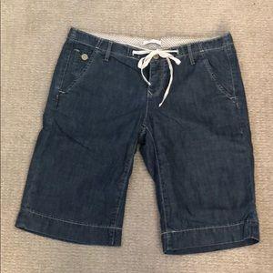 GAP Bermuda Shorts Size 2 - Denim